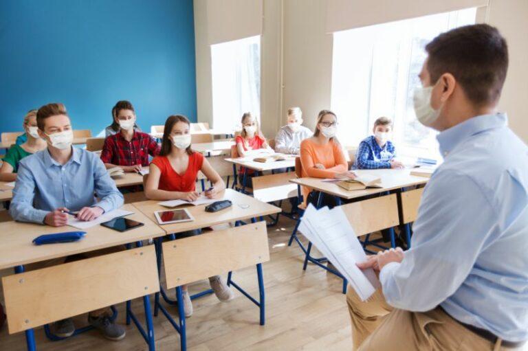 Mondkapjes op middelbare scholen