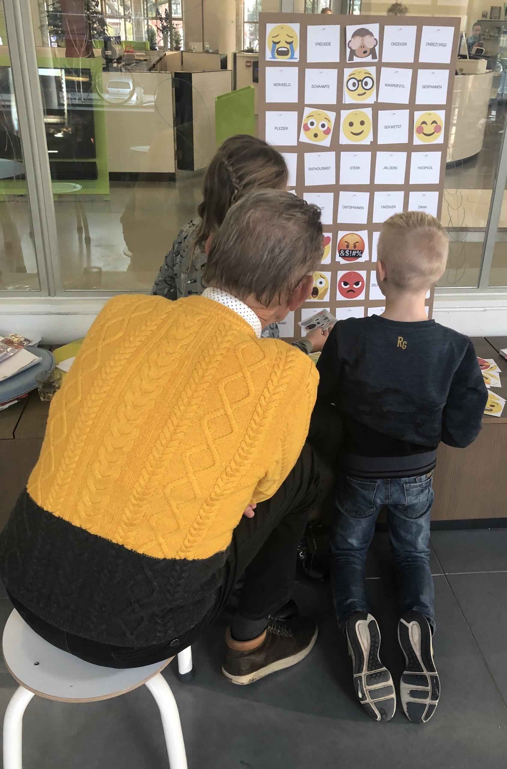 Het emoji-leesplankje in het Onderwijsmuseum