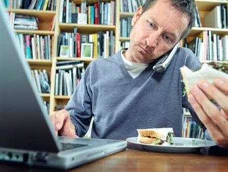 De docent, de computer en zijn lesideeën