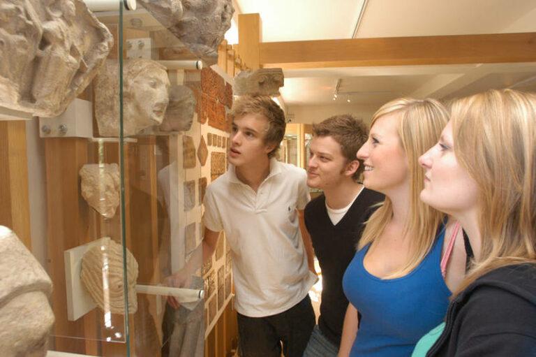Een museumbezoek of toch gamen?