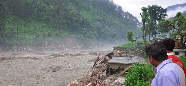 Een modderstroom uit de bergen