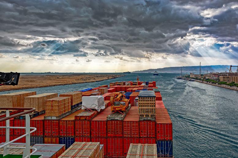 Mega containerschip in Suezkanaal Actueel Malmberg Engels All Right