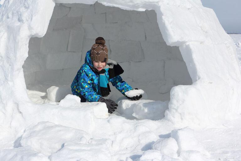 Sneeuwballen en iglo's