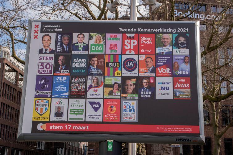 Nederlands Actueel Talent verkiezingsposters aanplakbord