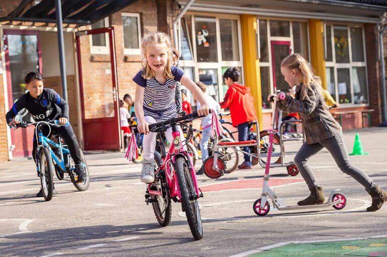 Trend: kinderen fietsen steeds minder
