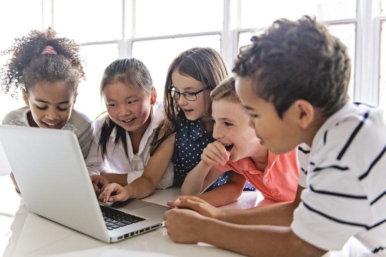 Digitale geletterdheid naast taal en rekenen